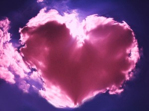 Heart_Shaped_Cloud__by_Babsx129